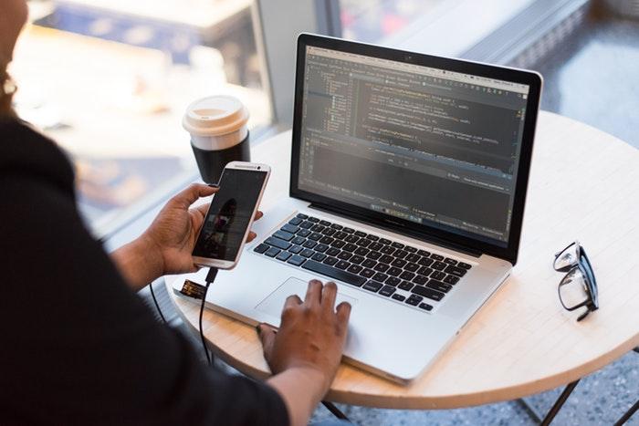 プログラミング初心者にMacは必要なかった!?MacBookProを実際に購入してみての感想