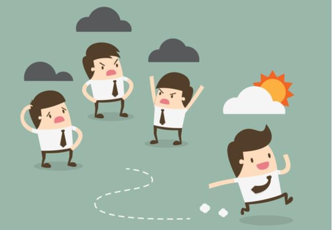 仕事で人間関係がうまくいかないなら『諦める』のが得策!【実体験】