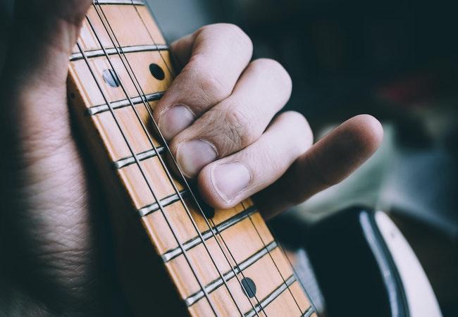 ギター弦メーカー別に弾いたときの感覚を解説