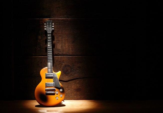 エレキギタータイプ別の音を知ろう
