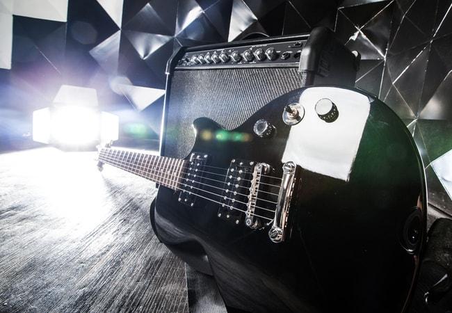 エレキギター初心者が練習する前に準備したいもの