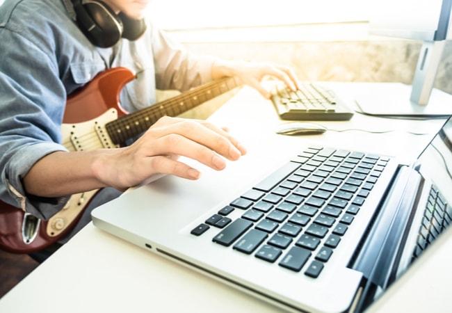 予算に合わせたエレキギター初心者セットを購入しよう