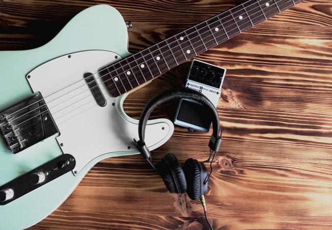 エレキギター初心者におすすめのギターとアクセサリー
