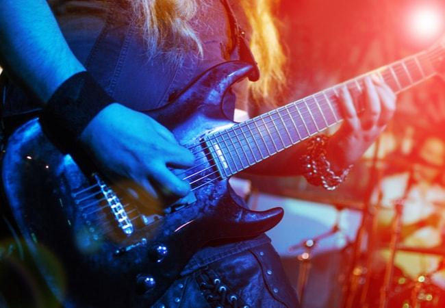 メタルコアの音作りに必要なギター