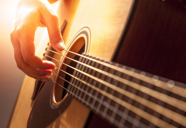 ギター初心者がマンションで練習するにはサイレントギターがおすすめ