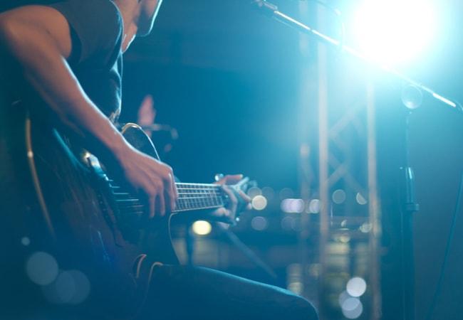 ギター初心者がマンションで練習するのに適さない方法2つ